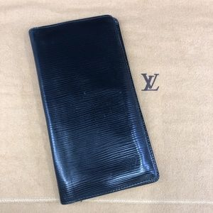 LV616 Epi Leather Bifold Wallet